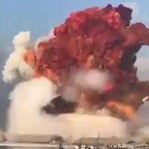 レバノンベイルートの爆発映像!衝撃波がスゴイ生還不可の爆心地